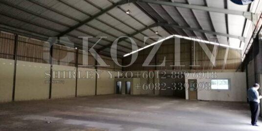 Semi-detached Factory @ Pending For Rent